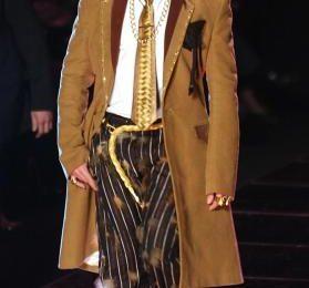 Dior-John Galliano, Lvmh non deciderà presto il suo sostituto