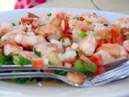 Ricette light: insalata di gamberetti con zucchine