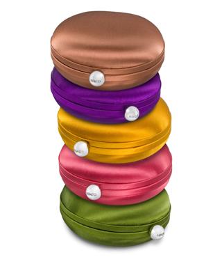 Kenzo: la borsa golosa Clutch Macaron