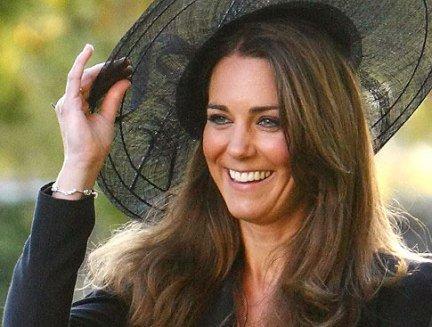 Kate Middleton, l'abito sarà di Sophie Cranston?