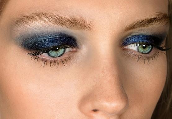 ombretto blu sfumato