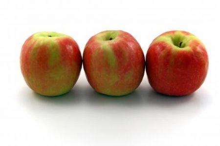 Colesterolo più basso con le mele