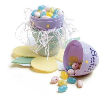 Lavoretti di Pasqua 2011: usare le uova porta-sorprese come decorazione