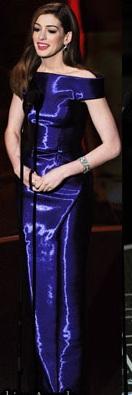 Anne Hathaway oscars armani privè 132x150
