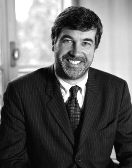 Giorgio Armani: dimissioni inaspettate per il vicepresidente John Hooks