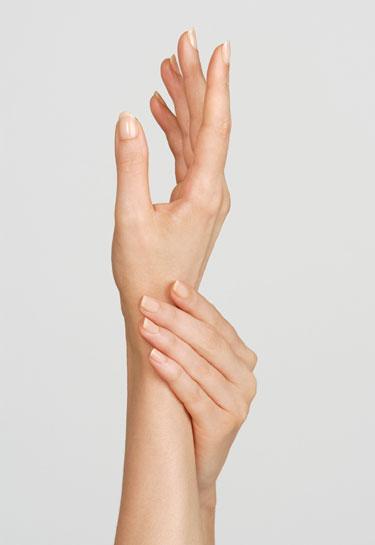 Quali sono le cause delle mani gonfie e quali esercizi possono aiutarvi?