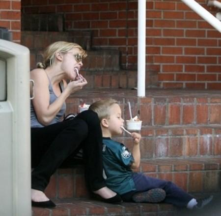 Reese Witherspoon è una super mamma… non solo un'attrice!