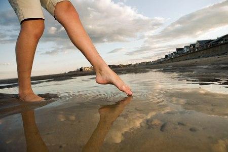 Caviglie gonfie e doloranti: cause e rimedi