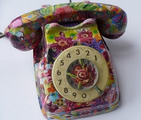 Decoupage: come decorare un vecchio telefono