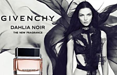 "Givenchy adv del profumo ""Dahlia Noir"" con Mariacarla Boscono"