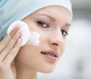Cosmetici fai da te: il latte detergente