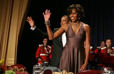 Michelle Obama, bellissima con un abito Halston Fall 2008