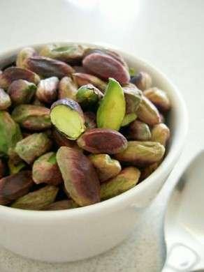 I pistacchi sono un toccasana per la linea e per il cuore
