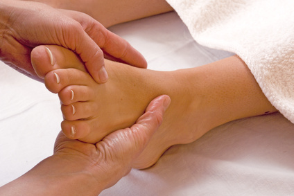 prevenzione piedi gonfi