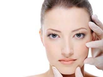 Chirurgia estetica, i ritocchi più richiesti sono denti, glutei e viso
