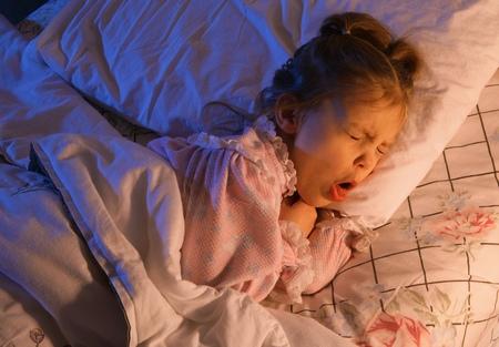 Come curare la tosse dei bambini se è persistente