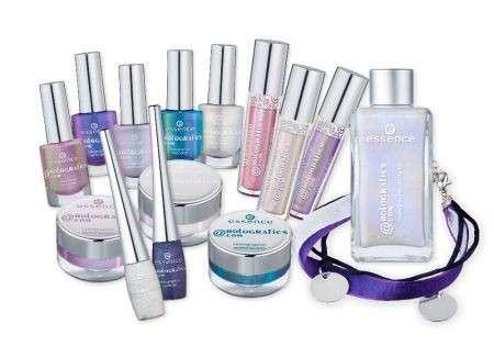 "Make up Estate: la collezione ""Meet_Me@Holografics.com"" di Essence"