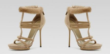 Gucci i suoi sandali invernali li vuole con pelliccia! Ecco i bellissimi Camila