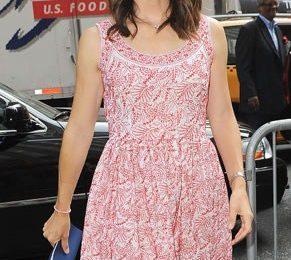 Il look estivo perfetto? Jennifer Garner con minidress Prada, favolosa!