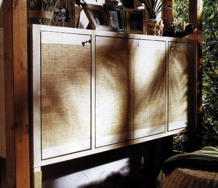 Decorazioni fai da te: decorare un mobile con carta di papiro