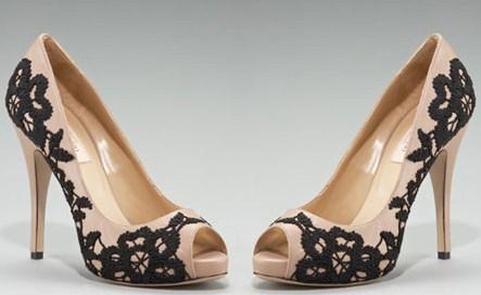 Ricami delicati per le scarpe Valentino, incantevoli e romantiche!