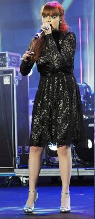 Annalisa Scarrone veste Blugirl ai Wind Music Awards