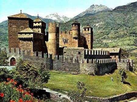 Vacanze in montagna per visitare i castelli della Valle d'Aosta
