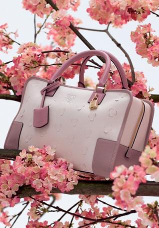 Loewe: borsa 'Cherry Blossom' Amazona con fiori di ciliegio