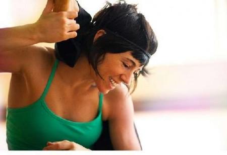 pelle elastica yoga della risata