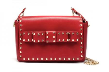 Borse Zara: la tracolla rossa con borchie rock e fiocco romantico