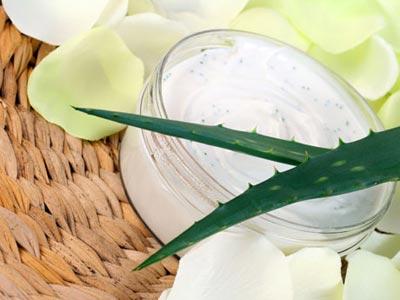Per la cura della pelle, prova il doposole fai da te all'Aloe Vera