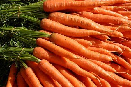 Abbronzate e super in forma con la dieta della carota