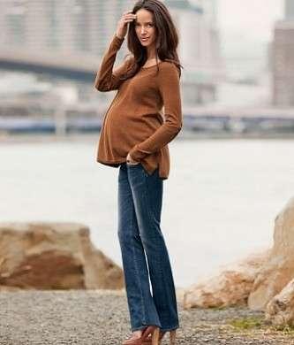 HM presenta i jeans della collezione Mama