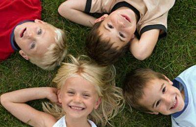 Giochi da fare all'aperto per i bambini, alcune idee divertenti