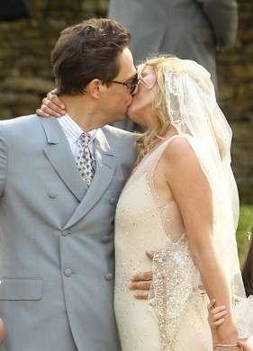 Kate Moss Matrimonio Bacio