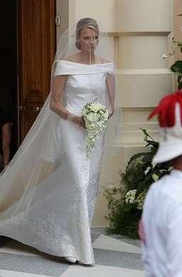 Matrimonio Alberto e Charlene, le foto dell'abito da sposa. Meraviglioso!