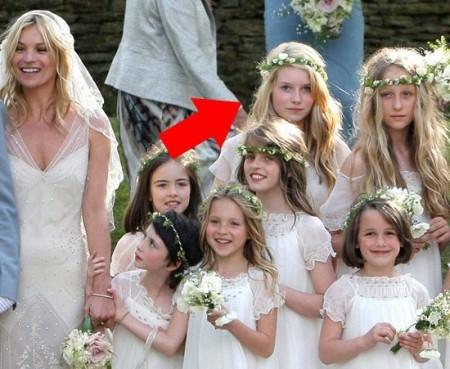 Dopo Pippa Middleton, un'altra sorella ruba la scena alla sposa vip: lei è Lottie Moss!