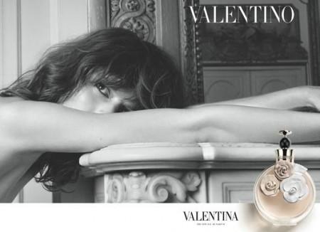 """Freja Beha Erichsen è """"Valentina"""", il nuovo profumo di Valentino"""