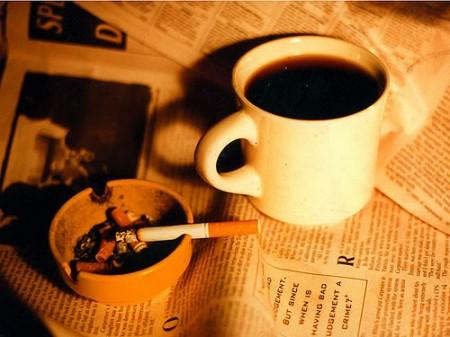 Fumare appena svegli aumenta i rischi di tumore ai polmoni