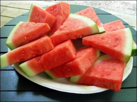 In estate fate il pieno d'idratazione con l'anguria