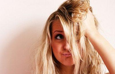 Rimedi fai da te per capelli secchi, prova la maschera fatta in casa!