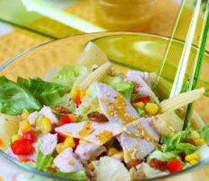 Prepara un'insalata di mais dolce per il picnic estivo