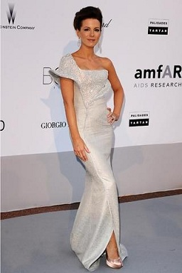Kate Beckinsale in Giorgio Armani