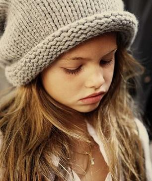 Bufera su Thylane Léna-Rose Blondeau, la baby top model milionaria: pose troppo sensuali?