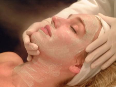 Massaggio viso fico d India