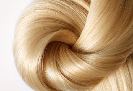 Lozione riflessante alla camomilla di Fitocose, per capelli chiari anche in inverno