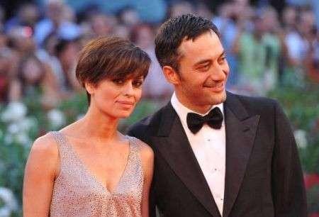 Claudia Pandolfi sceglie un look aggressive alla Mostra del Cinema di Venezia