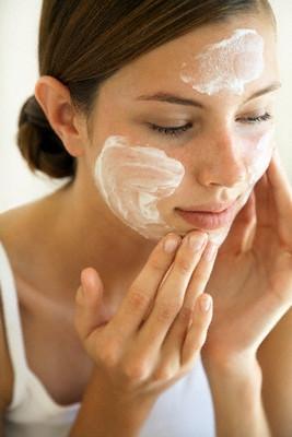 Con il caldo è difficile scegliere la crema viso più adatta per la vostra pelle? Ecco cosa fare!