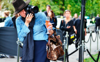 Stranezze da Milano Moda Donna, l'arte del multitasking di Garance Dorè