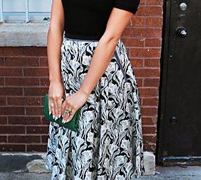 Lea Michele in posa con un look retrò firmato Jason Wu e Brian Atwood, favolosa!